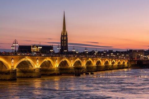 pont-de-pierre-rsteve-le-clech-photos-bordeaux.jpg