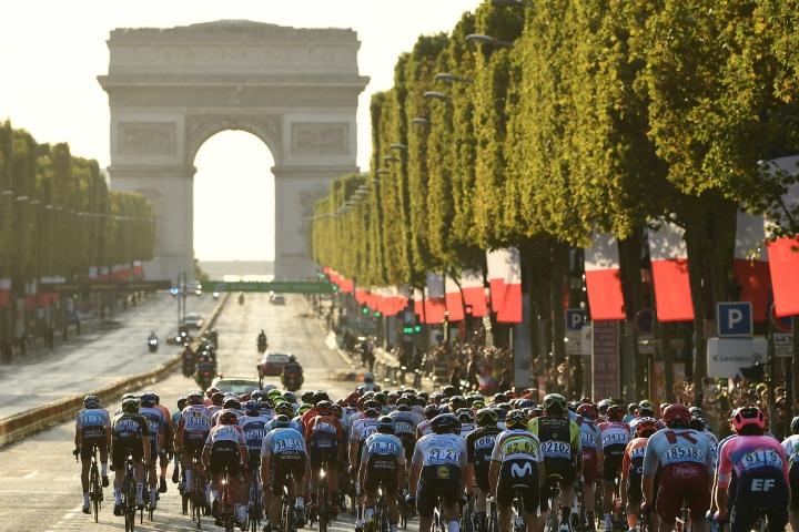 tdf2019-etape21-a.s.o._alex_broadway.jpg