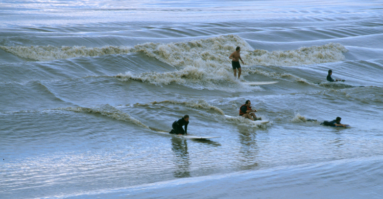 Surfer le mascaret